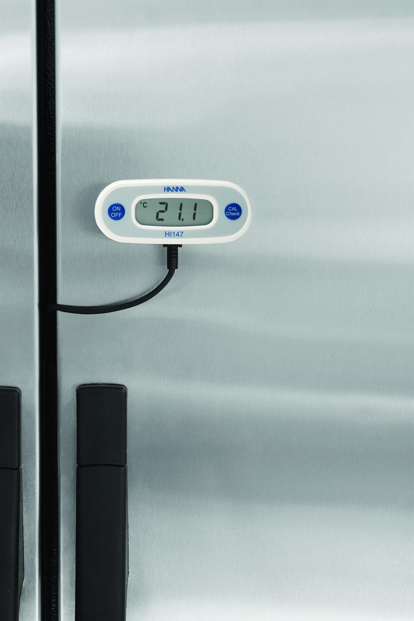قیمت و خرید دماسنج دیواری مخصوص یخچال و اینکوباتور HI147