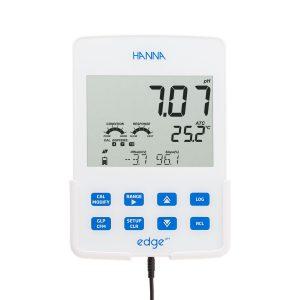 نمایشگر دستگاه pH متر رومیزی HI2002