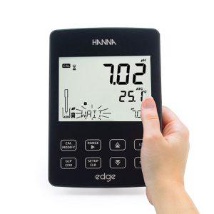 نمایشگر دستگاه HI2020