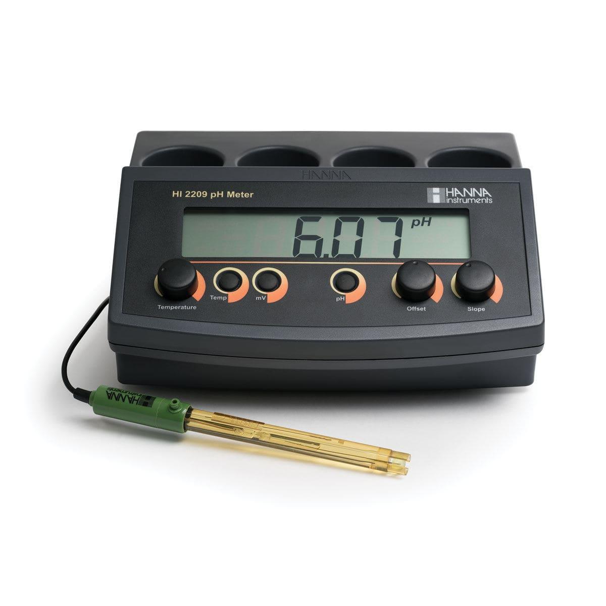 مشخصات و خرید pH/mV متر رومیزی HI2209